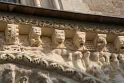 Portail de l'Eglise St Gilles (2)